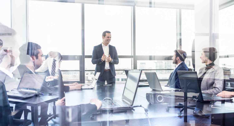 ¿Cómo mejorar su eficacia como alto directivo y el desempeño de su organización?