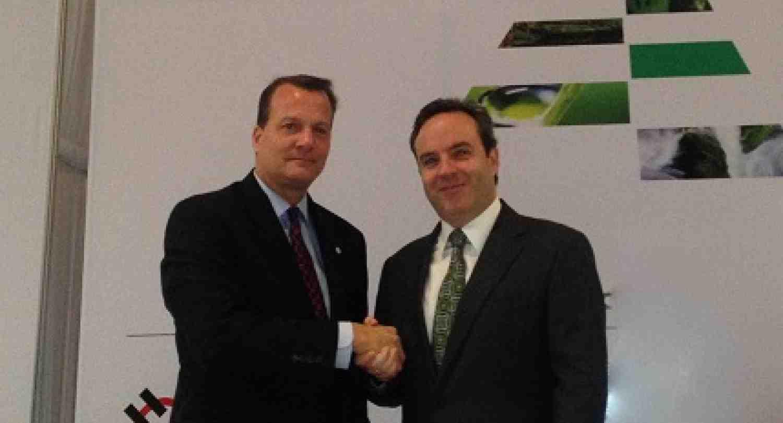 INCAE y CEDES firman convenio de cooperación