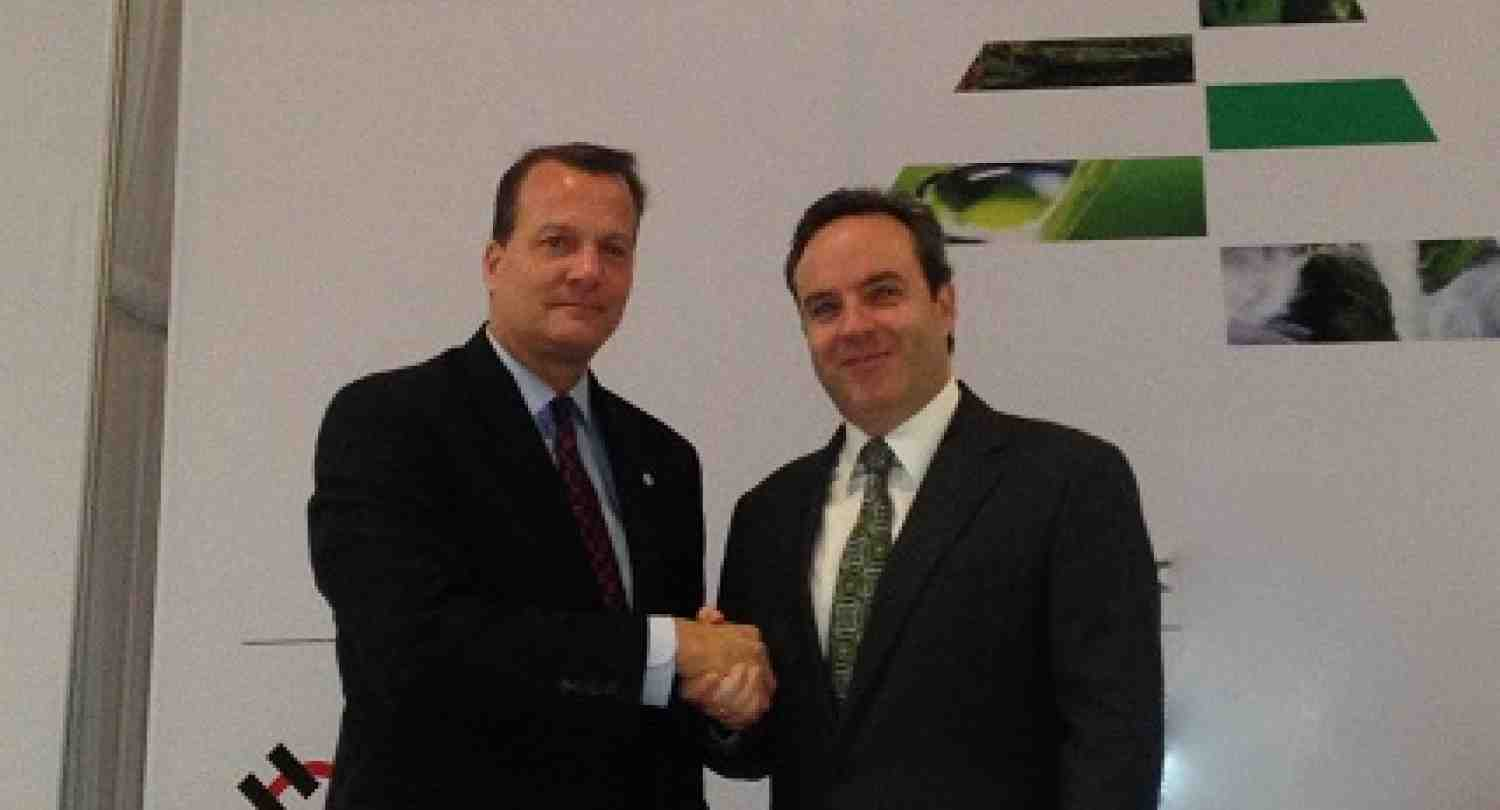 INCAE and CEDES signed a cooperation agreement
