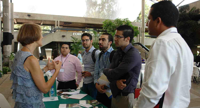 INCAE abrió sus puertas a quienes buscan un doctorado