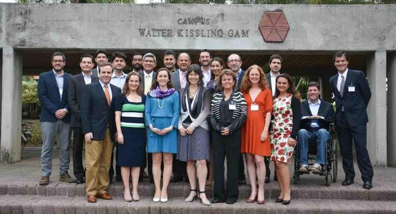 INCAE capacita en liderazgo sostenible a Young Global Leaders del Foro Económico Mundial