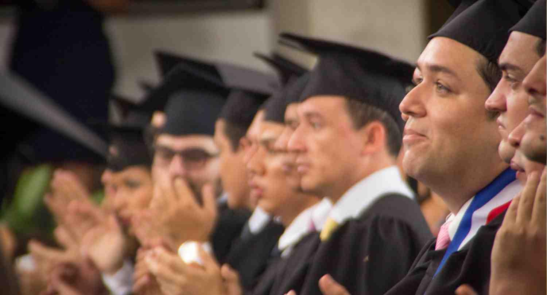 """""""Con una mejor educación nos corresponde tomar acciones. No está permitida la indiferencia"""" - José Miguel Torrebiarte, Director Ejecutivo de Cementos Progreso"""
