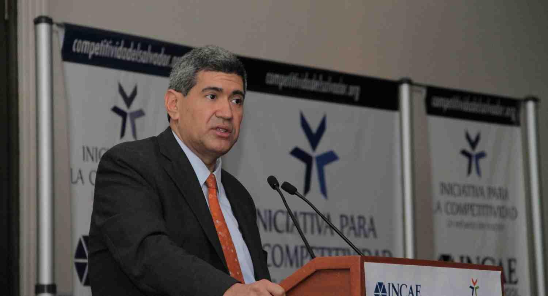 """INCAE participa en Foro """"El Salvador sí puede Competir en un mundo Globalizado"""""""
