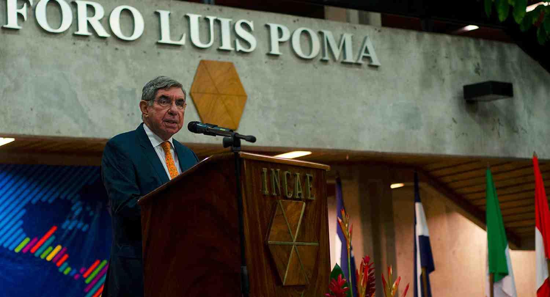 Oscar Arias INCAE