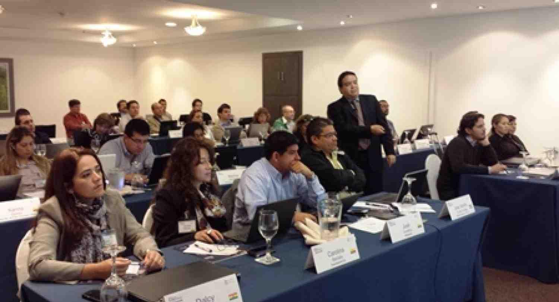 Profesor Luis Sanz durante el evento