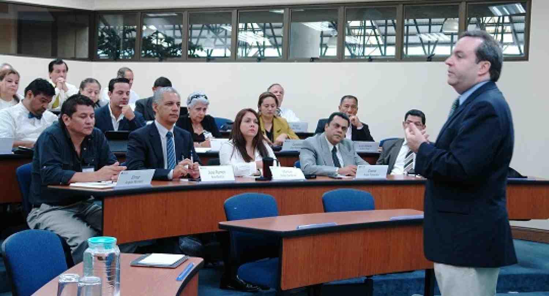 INCAE colabora con la Dirección General de Aduanas  de Costa Rica