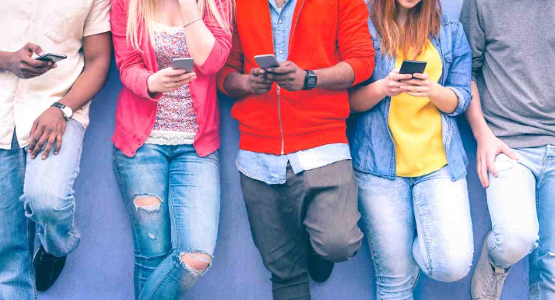 En el 2020 habrá más personas con celular que con electricidad