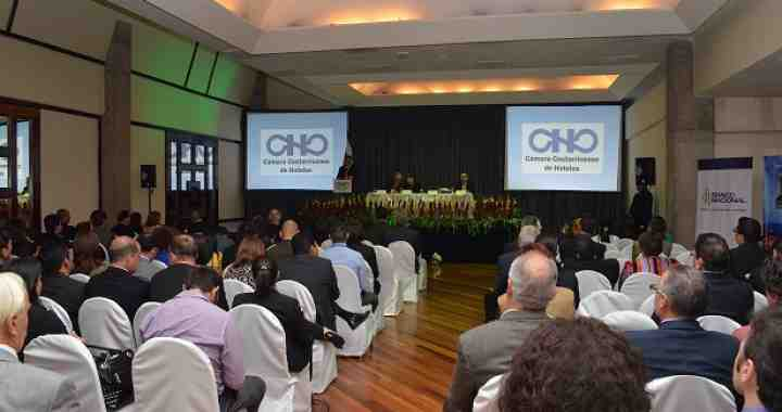 Director of CLACDS gave a conference on competitiveness at the Hospitality Congress in Costa Rica