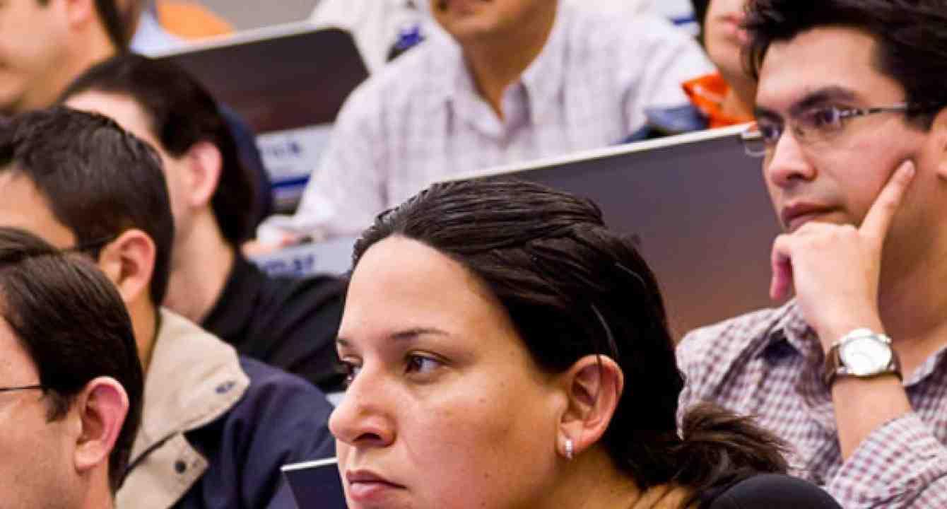 Conferencia Networking Cuenca Ecuador