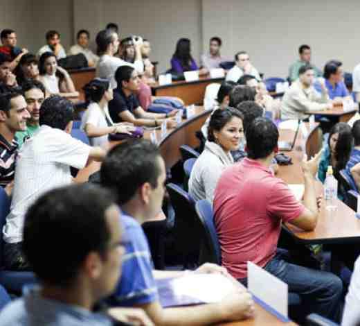 Clase Modelo, Julio Sergio Ramírez, Ph.D en El Salvador